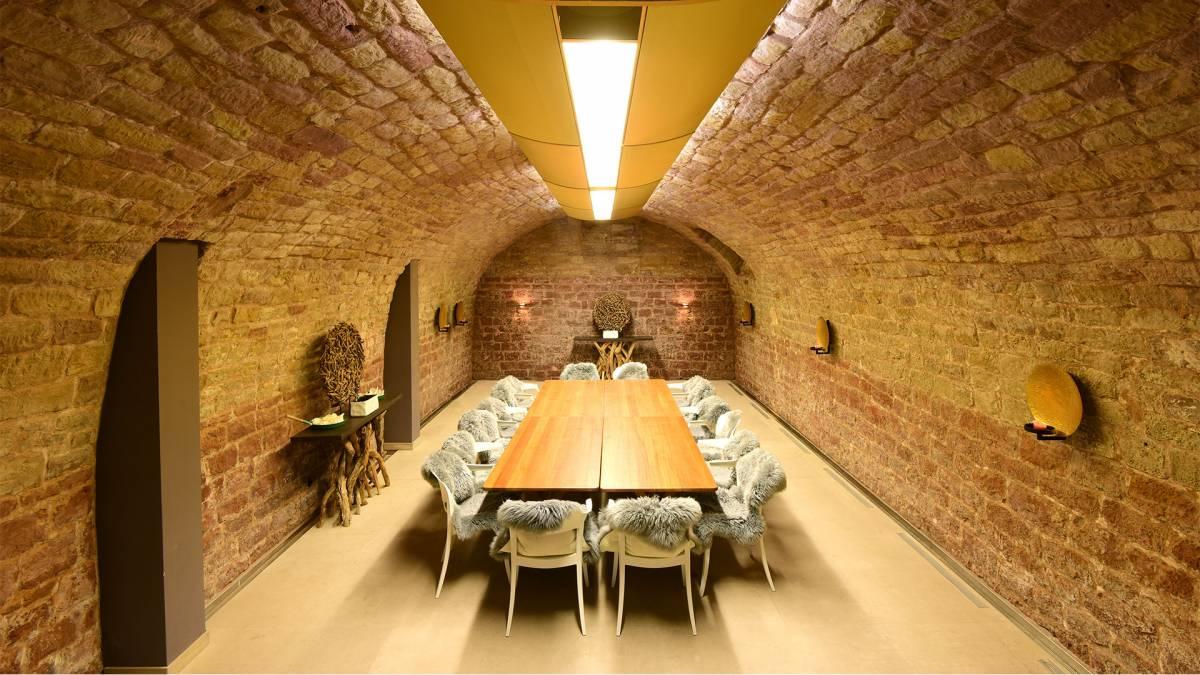 Gewölbekeller gestalten  Gewölbekeller - Öffentliche Bereiche - Lösch für Freunde